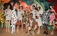 Moschino à la Fashion Week de Milan automne-hiver 2021-2022 : l'interview de Jeremy Scott